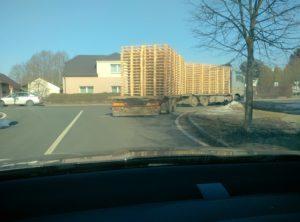 Přeprava dřevěných palet